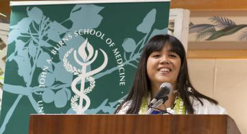 Britney (Kanoe) Quibelan, an MD Candidate in the JABSOM Class of 2020, at the lectern. Deborah Dimaya photo