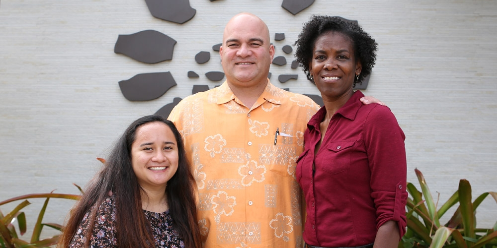 Pacific Links Hawai'i scholarship recipients Kaila Bolton (left) and Tracy Jones (right) with Micah Kane, Chief Operating Officer of Pacific Links Hawai'i in center.