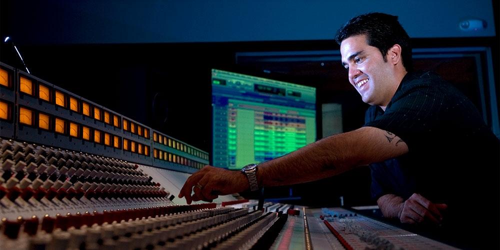 MELE Studio at Honolulu CC