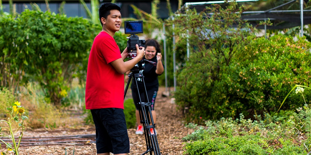 Photo caption: UH West Oʻahu creative media students film community trailer in Spring 2016.